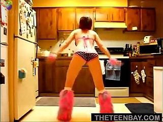Cute Teen Sexy Dance