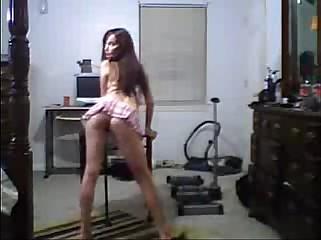 Babe In Tiny Miniskirt Upskirt Booty Dance - spankbang.org