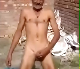 nude uncle ka dance.MP4