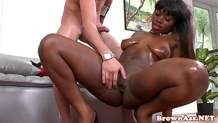Bigass black beauty fucking doggystyle