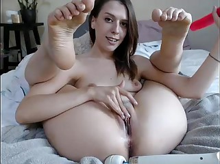 Toes & Feet show Dildo & Vibrator close-up on cam - GirlTeenCams.com