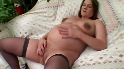 Pregnant enjoys a good fingering session