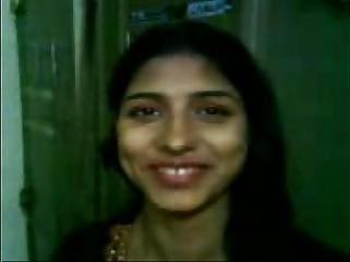घर में गर्लफ्रेंड की चुदाई Indian