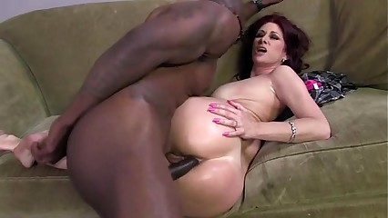 Dirty interracial hottie gets a cumshot
