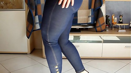 Big german Ass Lap Dance Jeans