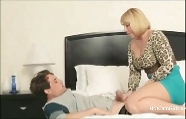 You cant hide from Mommy MILF - HotCamGirlz.net