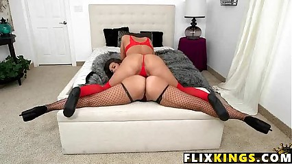 Two perfect asses Kelsi Monroe, Victoria Webb 1 61