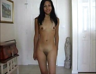 Jovensita latina tierna