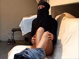 Virgin arab girl trying lesbian sex  DARKSOCCER