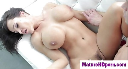 Horny cougar gets fucked in her wet pussy