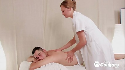 Amature MILF gets pounded while giving massage