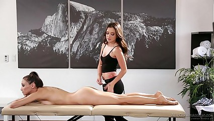 Celeste Star meets her masseuse fangirl Gia Paige - Fantasy Massage