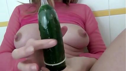 Pregnant slut dildo masturbation