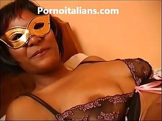 Amatoriale Figa italiana fa spettacolo porno con vibratore  - masturbation dildo