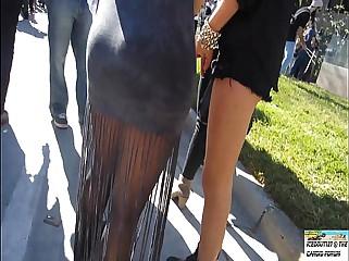 Gostosa de saia colada