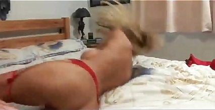 Hot mom gives great services to the cock of her stepson