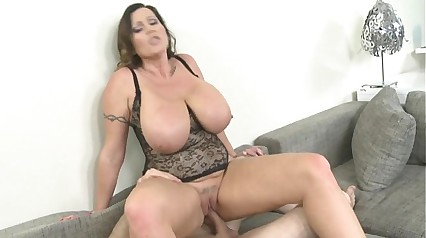 41yrs Mrs O Big Natural Tits HD - more videos on www.chat-arena.com