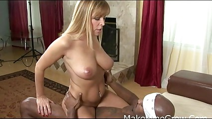 MILF Blonde Nicole Moore suck big Cocks
