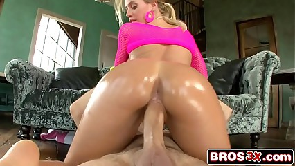 Worlds Hottest PAWG - Bitchy Blonde Bimbo Nicole Aniston