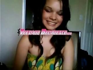 Cute Brunette Strips on Cam