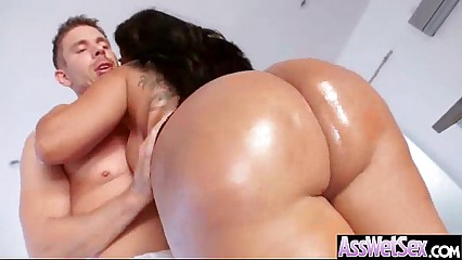 (kiara mia) Big Butt Girl Get Oiled And Anal On Camera mov-16