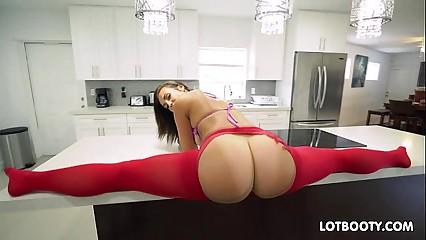Phat culo latina Kelsi Monroe gets asshole fucked