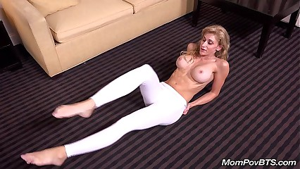 Pilates MILF shows off her tight body