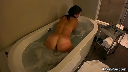 Perfect Booty MILF Sucks Cock in Tub