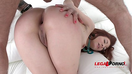 Redhead slut Jennifer assfucked by 3 guys & DP'ed SZ1271