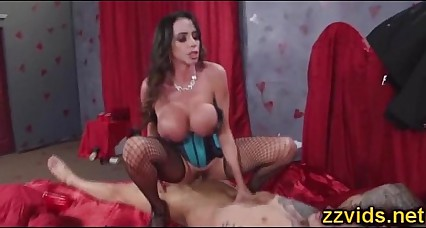 Busty Ariella Ferrera prepare cock to riding