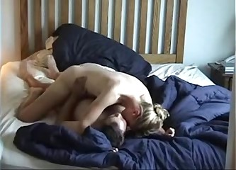 Amateur Blondie riding