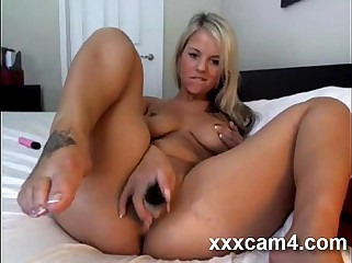 Naked Webcam Girl Riding A Dildo вЦЇ Xcamtalk.com