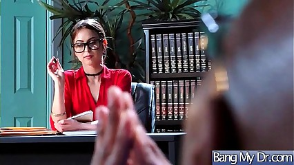 Intercorse Between Sexy Doctor And Slut Horny Patient (Riley Reid) mov-29