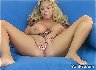 Blonde MILF Amber Masturbating