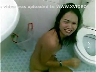 funny vietnam pissing