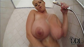 Busty Lola In The Shower