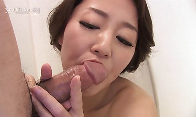 41Ticket - Japanese Mature Masturbates and Sucks Cock in Shower (Uncensored JAV)