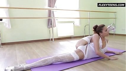 Inrcedibly hot gymnast Inessa