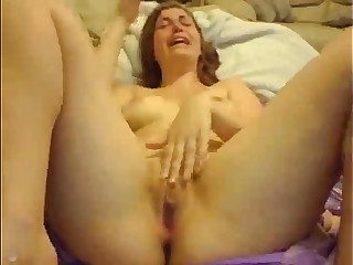 AwesomeKate - First Squirt Ever!!!
