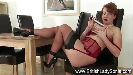 Mature stocking brit pussy toying