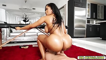Moriah twerk her ass to get some cock