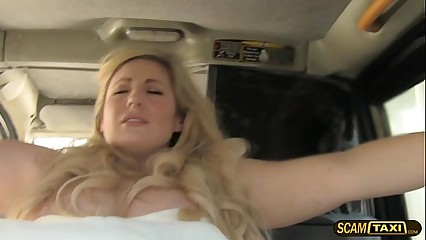 Damn bride gets jumped on a big cock taxi driver to have fun