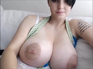 Huge tits with big niples