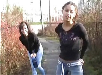 ineed2pee - alexa and ariel