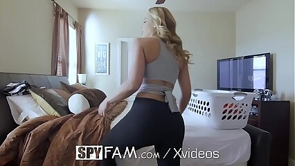 SPYFAM Dripping DEEP creampie FUCK with Step Mom