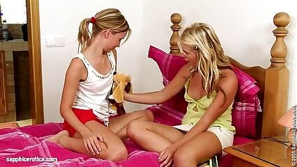 Sweet Sixty Nine sensual lesbian scene by SapphiX