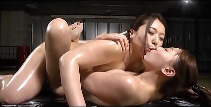 Japanese lesbian sex hd