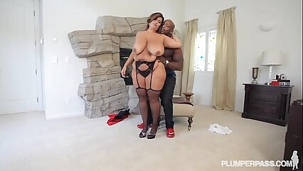 Latina BBW Legend Sofia Rose Fucks and Sucks BBC