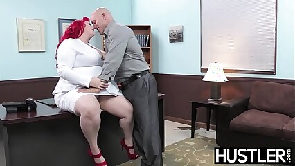Redhead BBW Eliza Allure jizz smeared after office banging