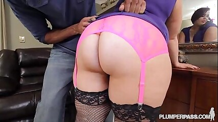 Sexy Newbie Phoenixxx BBW Takes on her First Big Black Cock